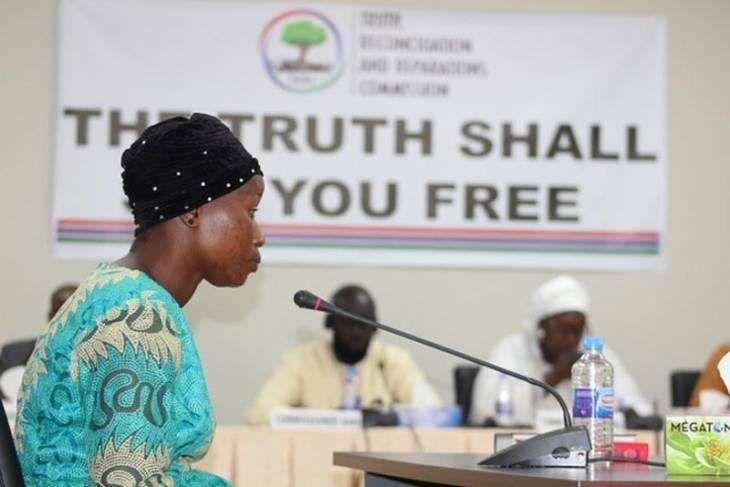 Bintou Nyabally témoigne devant la Commission vérité (TRRC) en Gambie