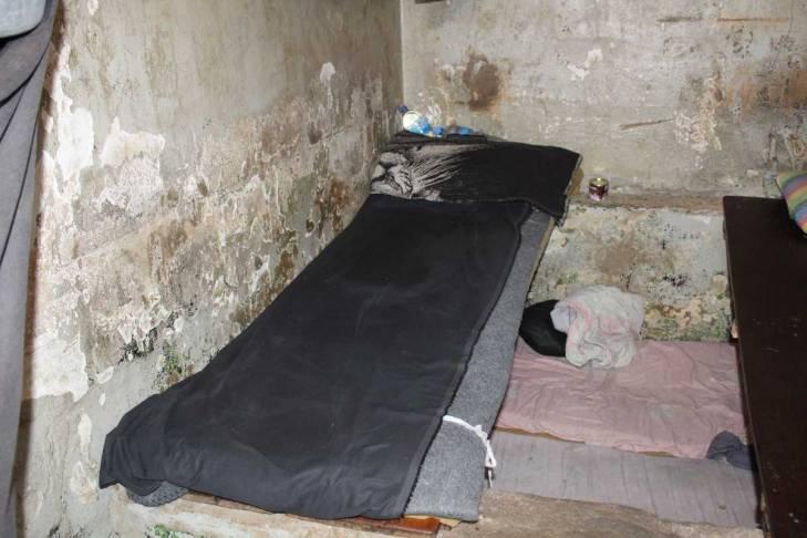 Une cellule de la prison de Mile 2