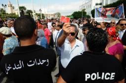 Tunisie : « Et la liberté surgit sous les fenêtres de mon journal ! »