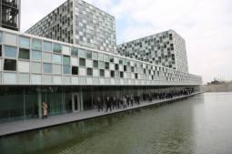 Outsider Peter Lewis voted Registrar to reform the International Criminal Court