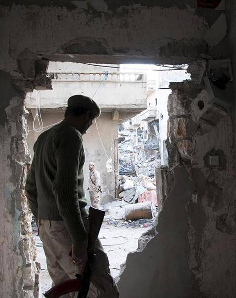 HRW : War Crimes in Libya as Benghazi Residents Flee