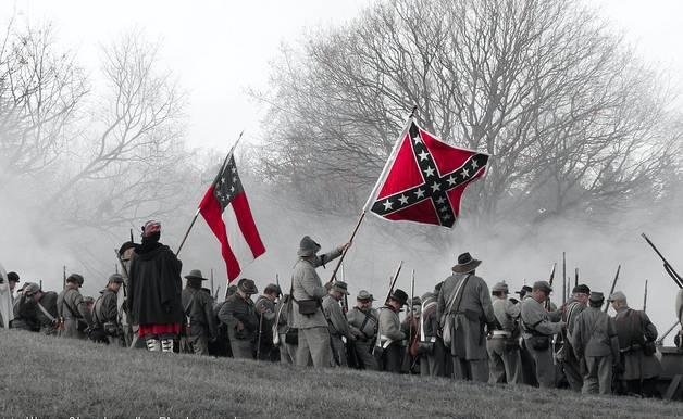 Après Charlottesville, déboulonner les statues: faisons du passé table rase?