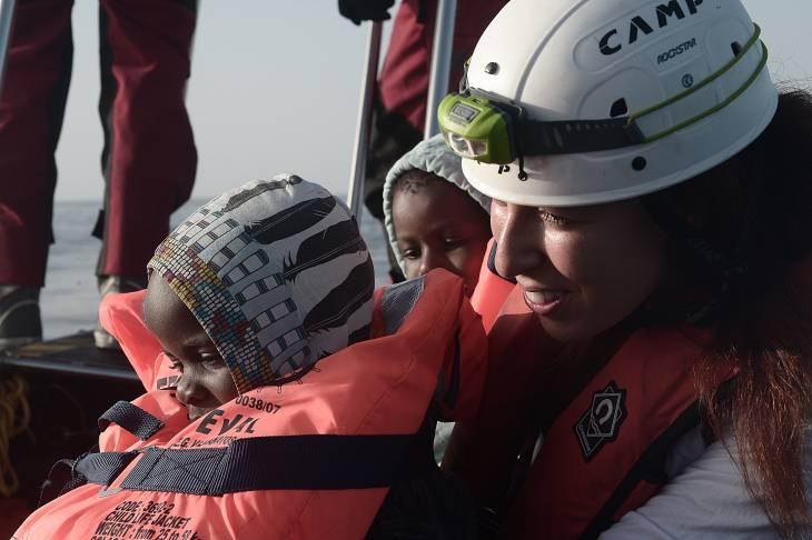 Dr Reem Bouarrouj  première femme arabe au secours des migrants en Méditerranée