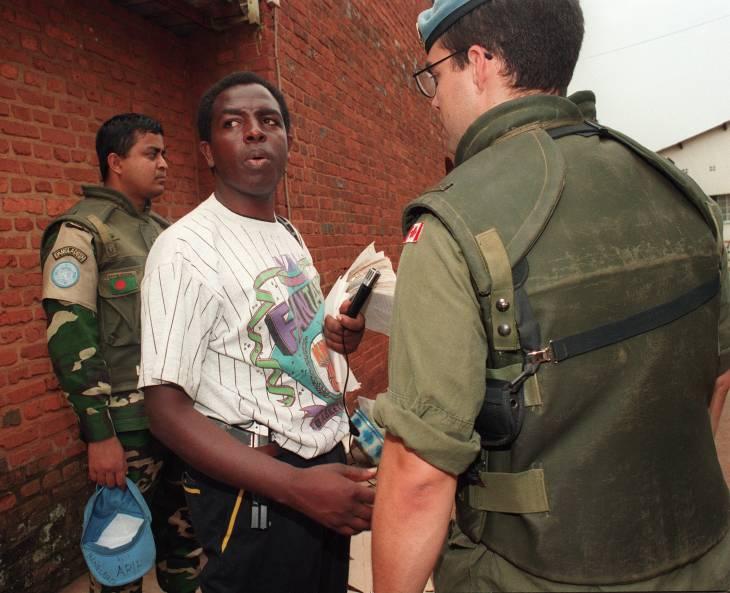 Audience reportée en France pour le père Munyeshyaka accusé de génocide au Rwanda