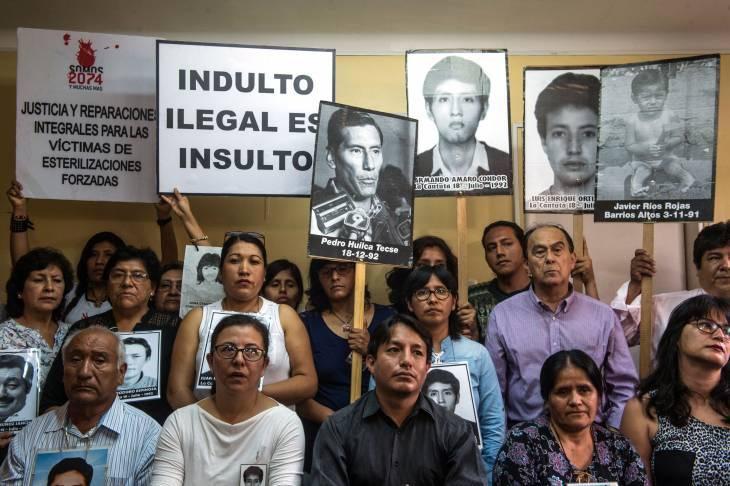 """Pérou:  la grâce de Fujimori, """"une gifle aux victimes"""""""