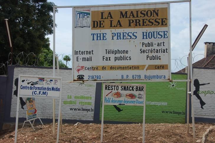 Burundi : un correspondant de la presse étrangère agressé par les forces de sécurité