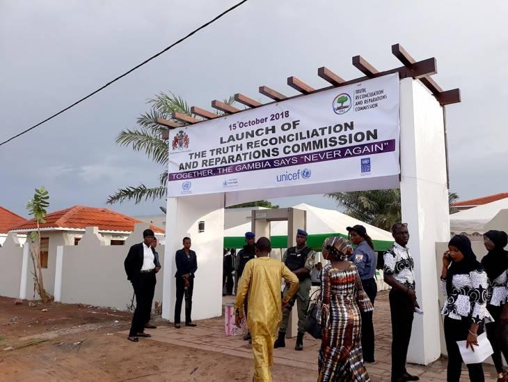 Un an de recherche de la vérité en Gambie