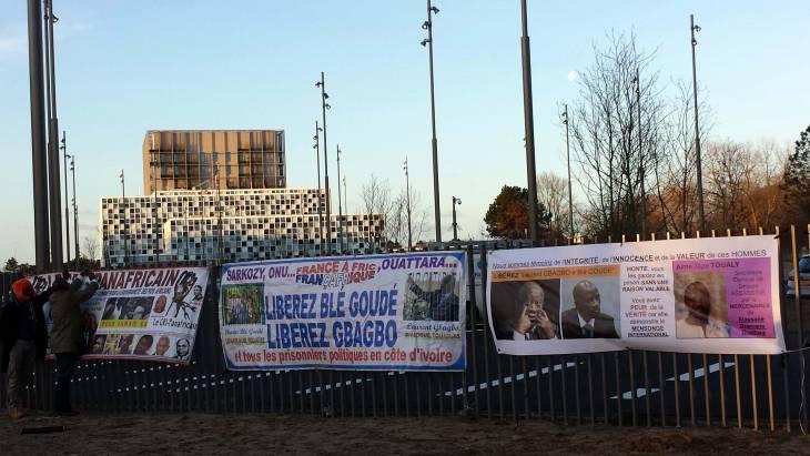Procès Gbagbo: la CPI critiquée après la divulgation des noms de témoins protégés
