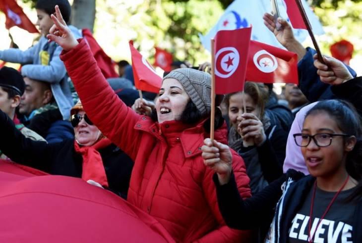 « L'autre visage » des révoltes en Tunisie : une société civile de plus en plus forte et affirmée