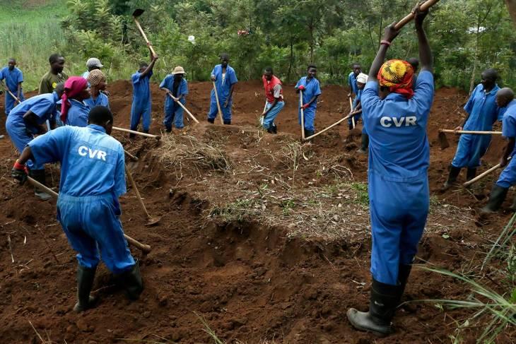 Burundi : les exhumations de la Commission vérité prises dans le jeu électoral