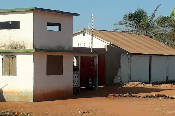 Un bon « toubib » sous la terreur gambienne