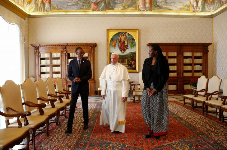 """Génocide au Rwanda: le pape """"implore le pardon de Dieu"""" pour les péchés de l'Eglise"""