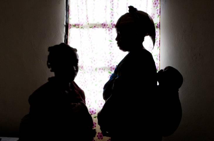 Violences sexuelles en situation de conflit : les leçons d'un guide pratique international
