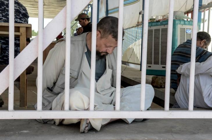 Irak : un jour avec les accusés de l'EI au tribunal de Tel Keppe