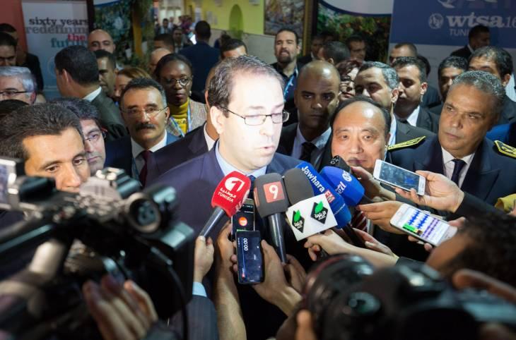 """Tunisie : une pétition en faveur de l'opération """"mains propres"""" du Président du gouvernement"""