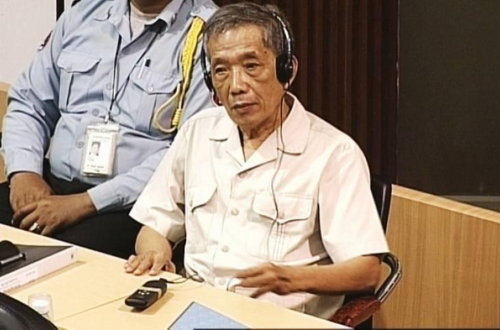 """Cambodge : Duch, comment un """"homme-système"""" devient tortionnaire"""